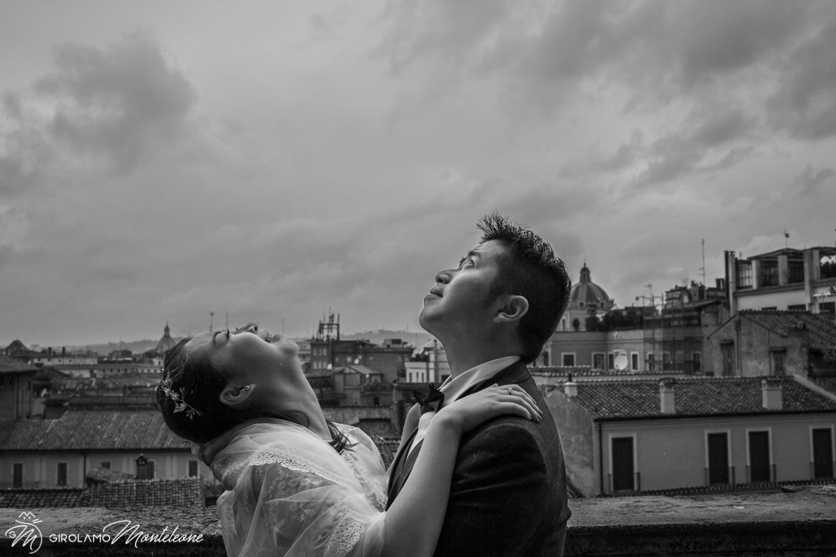 在罗马的婚礼摄影师 雨中的照片